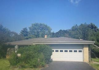 Foreclosed Home in MEADOWLANE AVE, Racine, WI - 53406