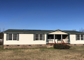 Foreclosed Home in DONIWOOD ACRES DR, Hope Mills, NC - 28348