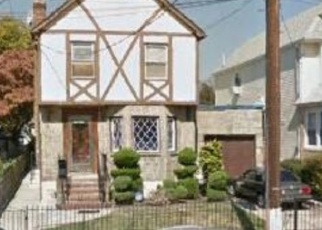 Foreclosed Home en 115TH AVE, South Ozone Park, NY - 11420