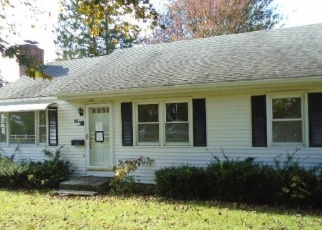 Foreclosed Home en LONG HILL ST, East Hartford, CT - 06108