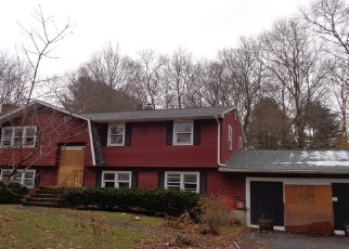 Foreclosed Home in COUNTRY LN, Meriden, CT - 06451