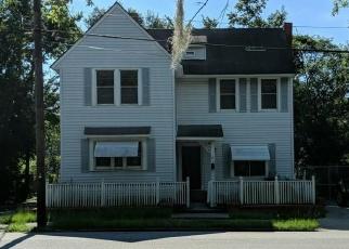 Foreclosed Home en HABERSHAM ST, Savannah, GA - 31401