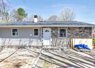 Foreclosed Home en STARLIGHT DR, Shirley, NY - 11967