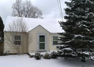 Foreclosed Home en S RIVERVIEW DR, Eastlake, OH - 44095
