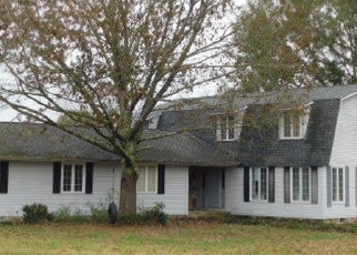 Foreclosed Home in SUMMERVILLE RD, Jasper, AL - 35504