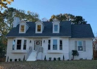 Foreclosed Home in MEADOW GARDEN LN, Birmingham, AL - 35242