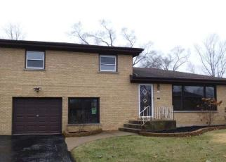 Foreclosed Home en LEONARD ST, Chicago Heights, IL - 60411