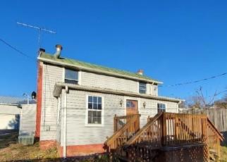 Foreclosed Home en MAIN ST, Eagle Rock, VA - 24085