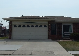 Foreclosed Home en GROVES DR, Sterling Heights, MI - 48310