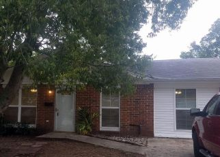 Foreclosed Home in LOYOLA DR, Kenner, LA - 70065