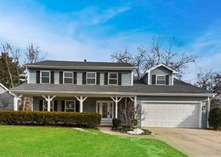 Foreclosed Home en CEDAR GATE CIR, Sugar Grove, IL - 60554