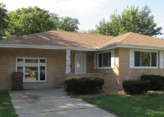 Foreclosed Home en POWERS LN, Champaign, IL - 61821