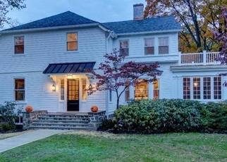 Foreclosed Home en OAK LN, Wayne, PA - 19087