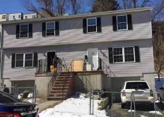 Foreclosed Home en ORCHARD ST, Yonkers, NY - 10703