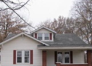 Foreclosed Home in FOSTERBURG RD, Alton, IL - 62002