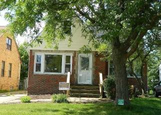 Foreclosed Home en SUNDERLAND DR, Cleveland, OH - 44129