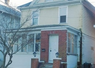 Foreclosed Home en POPLAR ST, Newburgh, NY - 12550