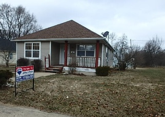 Foreclosed Home in WALTER AVE, Battle Creek, MI - 49037