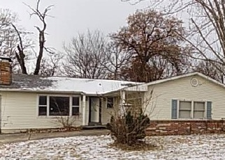 Foreclosed Home in E FELLIN DR, Mount Olive, IL - 62069