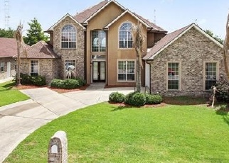 Foreclosed Home in WEDGWOOD DR, Harvey, LA - 70058