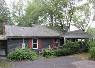 Foreclosed Home en PHELPS RD, East Windsor, CT - 06088