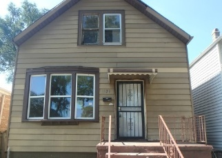 Foreclosed Home en S OAKLEY AVE, Chicago, IL - 60636
