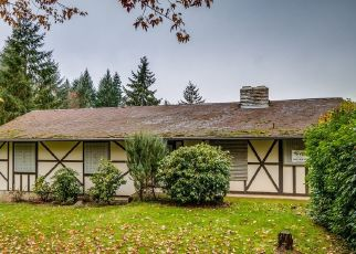 Foreclosed Home in S STONE HILL DR, Molalla, OR - 97038