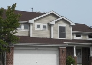 Foreclosed Home en MELBOURNE LN, Lake In The Hills, IL - 60156