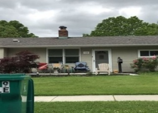 Foreclosed Home en GENTLE RD, Levittown, PA - 19057