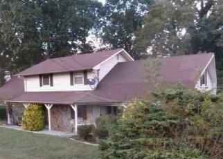 Foreclosed Home in INDIAN CREEK RD, Jacksboro, TN - 37757