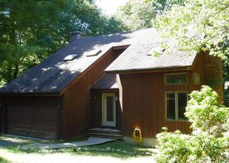 Foreclosed Home en N MADISON RD, Guilford, CT - 06437