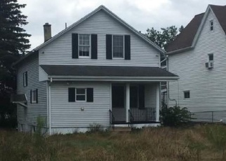 Foreclosed Home en N MERRIFIELD AVE, Scranton, PA - 18504