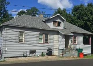Foreclosed Home en MARKWOOD DR, Erie, PA - 16510
