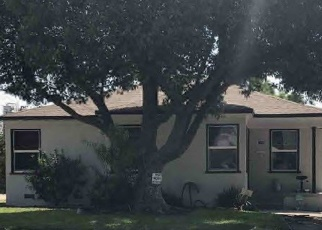 Foreclosed Home en GLADE ST, Bakersfield, CA - 93308