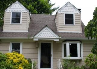 Foreclosed Home en ROOSEVELT AVE, Nesconset, NY - 11767