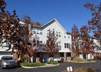Foreclosed Home en DEER CT DR, Middletown, NY - 10940