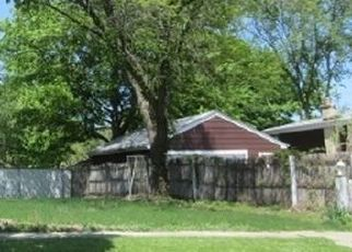 Foreclosed Home en W TAYLOR RD, Lombard, IL - 60148