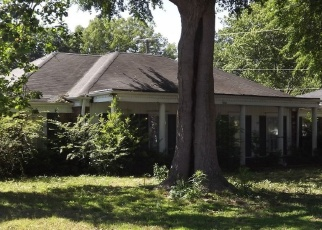 Foreclosed Home in BOEINGSHIRE DR, Memphis, TN - 38116