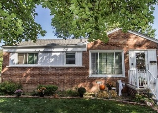 Foreclosed Home en MINTON ST, Livonia, MI - 48150