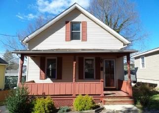 Casa en ejecución hipotecaria in Meriden, CT, 06451,  ALCOVE ST ID: F4335080
