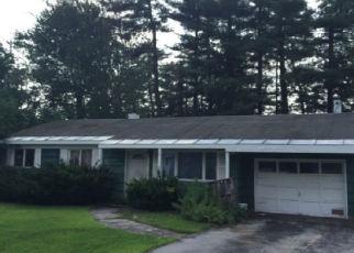 Foreclosed Home en PIONEER AVE, Sylvan Beach, NY - 13157