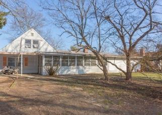Foreclosed Home in CLUB HOUSE DR, Willingboro, NJ - 08046