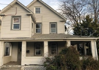 Foreclosed Home en OCEAN AVE, New London, CT - 06320