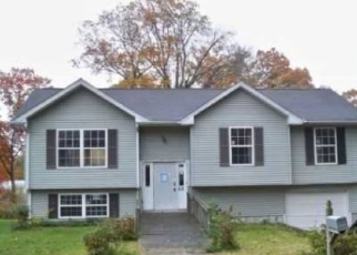 Foreclosed Home en PEABODY ST, West Haven, CT - 06516