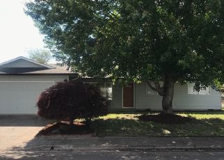 Foreclosed Home in LAFAYETTE ST SE, Albany, OR - 97322