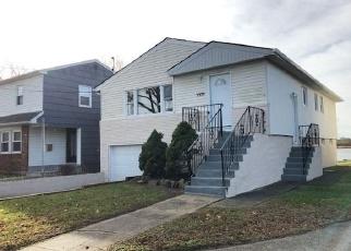 Foreclosed Home en BAY CT, Far Rockaway, NY - 11691