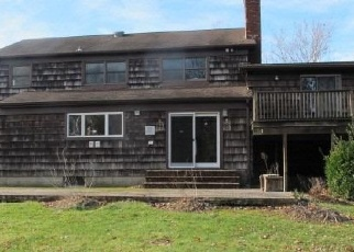 Foreclosed Home in PETTIT CT, Huntington Station, NY - 11746