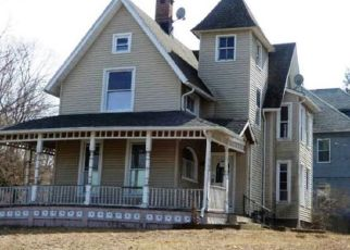 Foreclosed Home in PARK ST, Shelton, CT - 06484