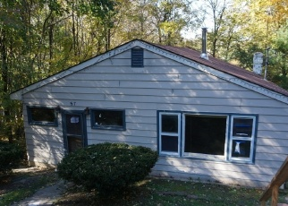 Foreclosed Home in CHATHAM RD, Hewitt, NJ - 07421