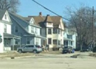 Foreclosed Home en 4TH AVE, Rockford, IL - 61104